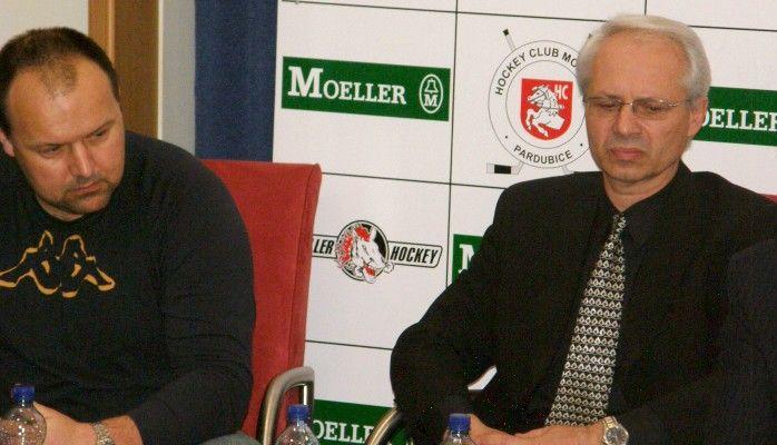Nová trenérská dvojice HC Moeller Pardubice: Václav Sýkora (vpravo) a Ladislav Lubina (vlevo).